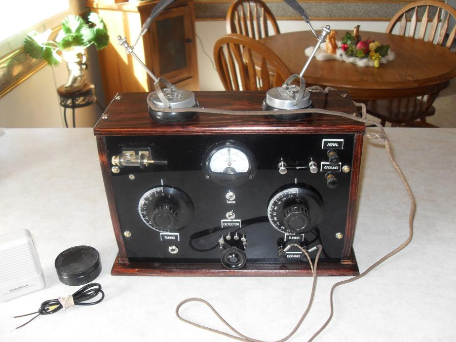 Custom built crystal radio w/ headphones &, amp..going to John in Australia