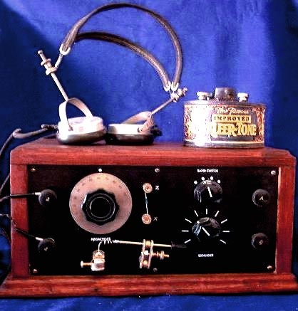 The Continental Flyer Model,Broadcast and Shortwave radio, 2 bands, Sold.